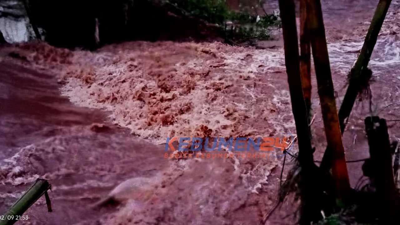 Banjir di sejumlah desa di Kebumen pada Selasa (9/2/2021) malam.