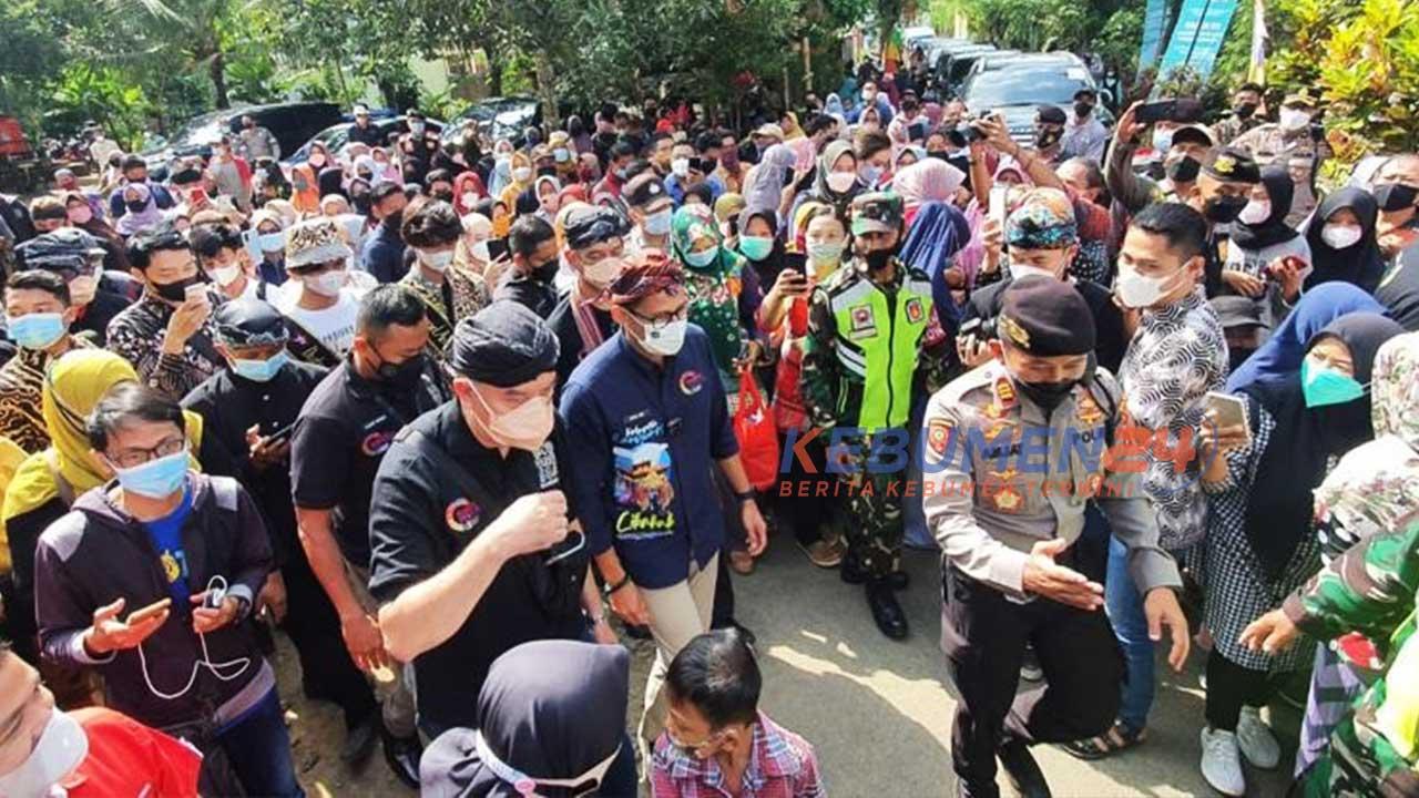 Sandiaga Uno kunjungi Desa Wisata Cikakak, Wangon, Banyumas, Jawa Tengah.